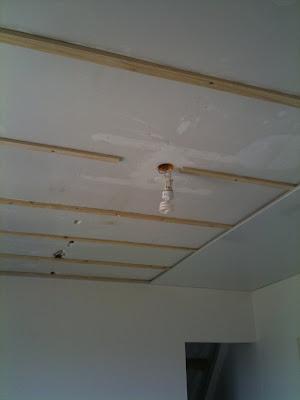 La r novation de notre chepiote maison for Pose de lambris pvc plafond