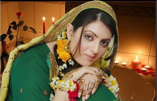 Mehndi Dress With Hijab : Mehndi dress bridal dresses mayon