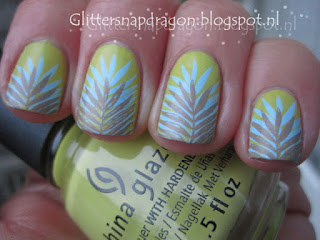 China Glaze S'more Fun Mundo de Unas stamping