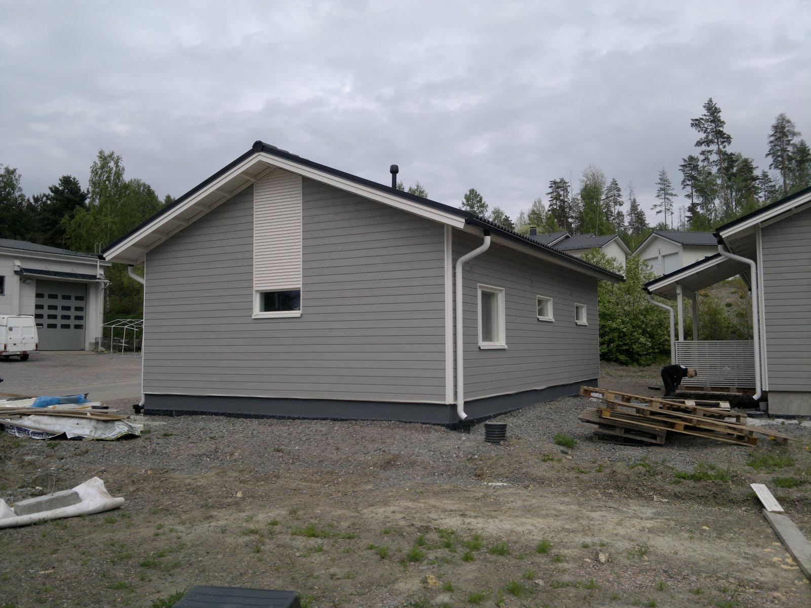 Talo Ristipakkaan Sokkelin maalaus