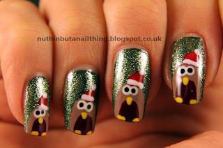 christmas robin nails