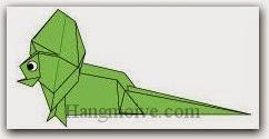 Bước 24: Vẽ mắt để hoàn thành cách xếp con thằn lằn cổ diềm bằng giấy theo phong cách origami.