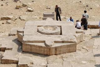 Звездные врата Абу Гораб это часть царского некрополя Абусир, Египет