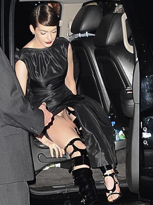 Anne Hathaway Upskirt! Anne Hathaway Goes Wild!   NUDE