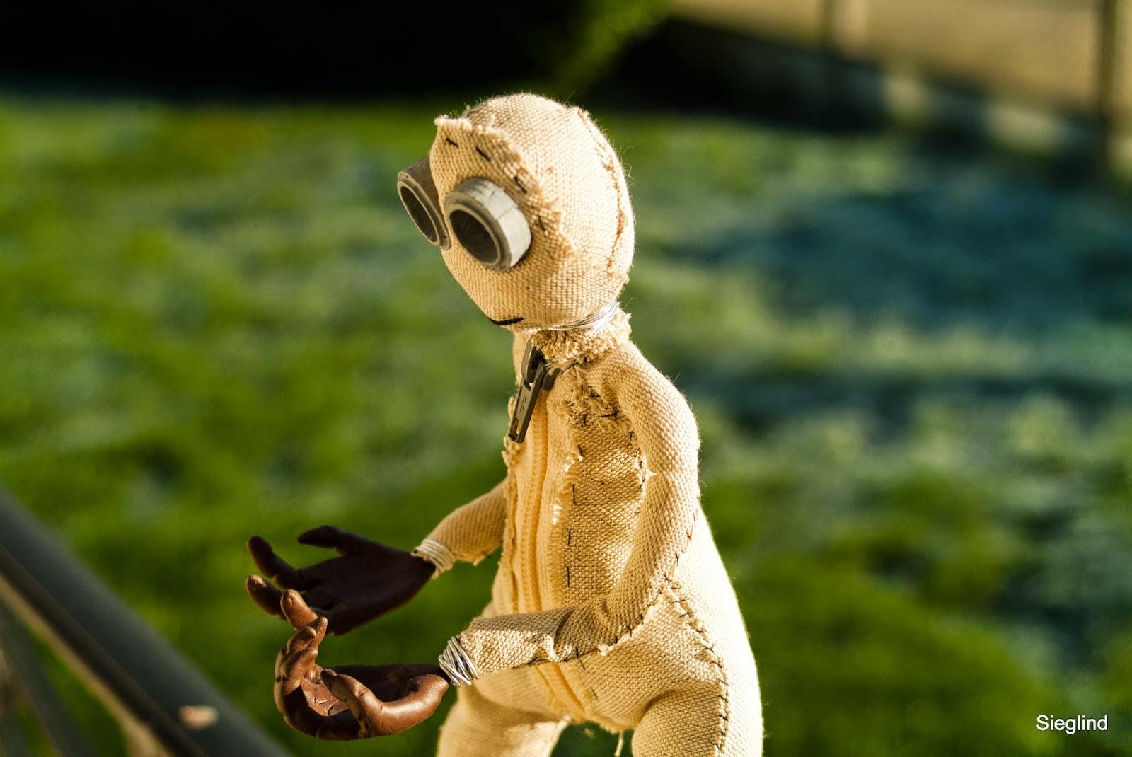 figurine poupée numéro 9