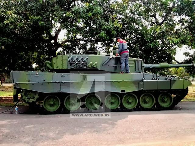 Tank Leopard RI dengan Cat Kamuflase Baru