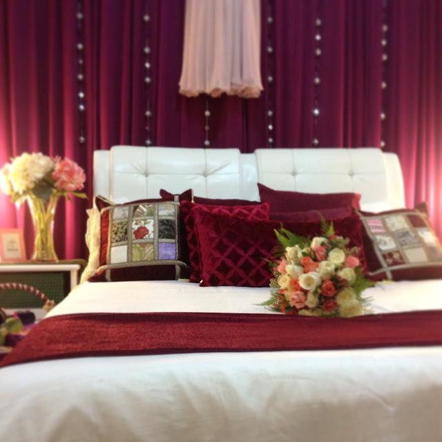 Pelabuhan mimpi kita wedding review kamar pengantin for Dekorasi kamar pengantin di hotel