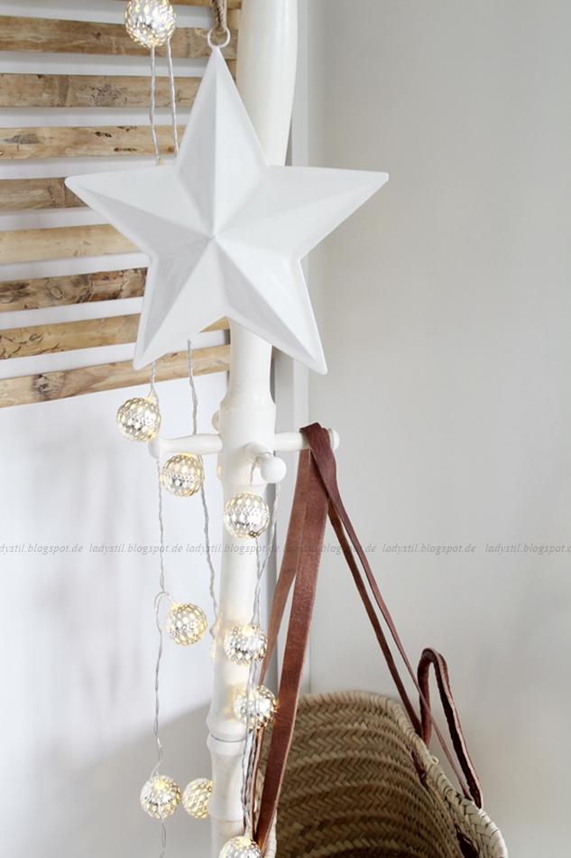 Weihnachtliches Büro, Office zu Weihnachten, der modernste Adventskranz, Adventskranz,