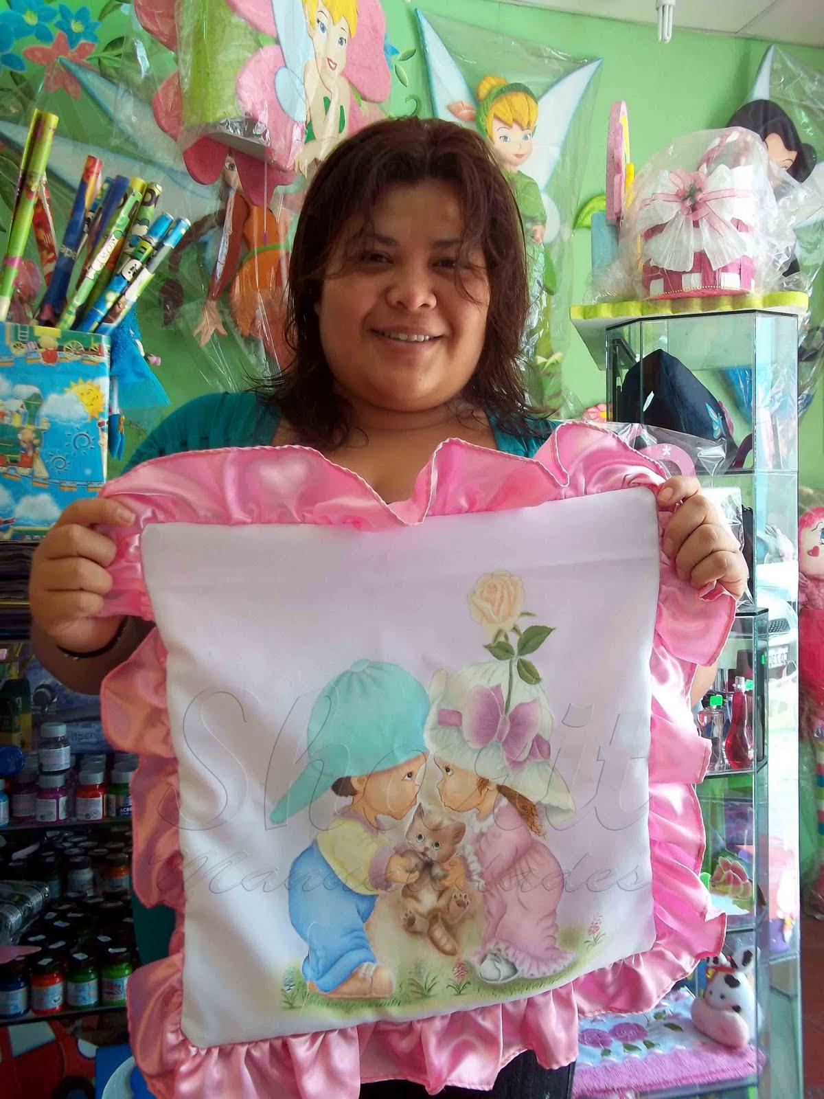 Sharit manualidades y mas cojines pintado en tela - Cojines pintados en tela ...
