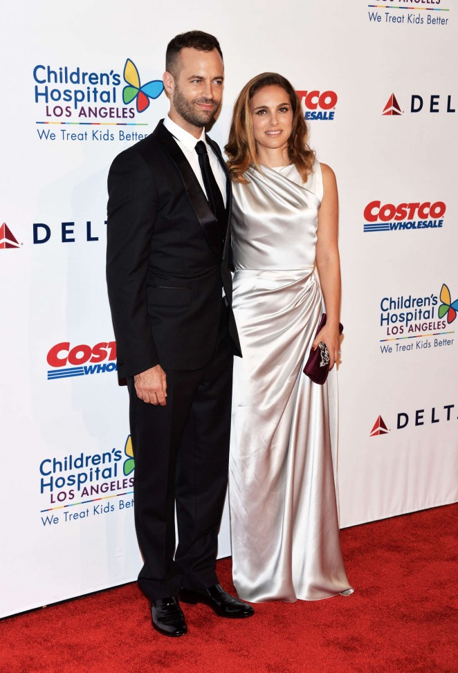 Natalie Portman is gorgeous in a metallic Dior dress at the Children's Hospital Los Angeles Gala: Noche De Ninos