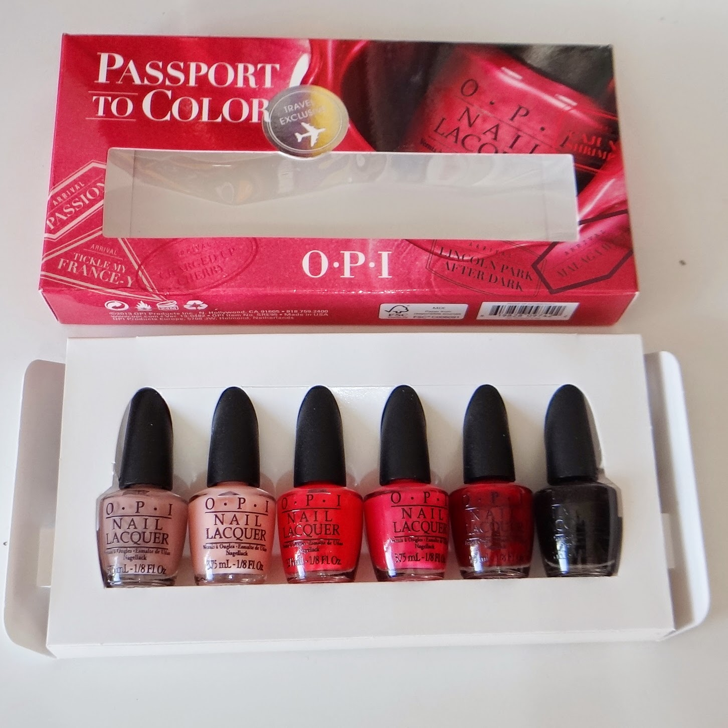 Passport to Color da OPI Nail Lacquer.