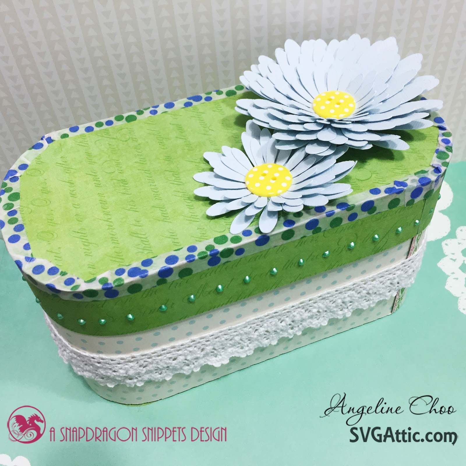 SVG Attic: Flower box with Angeline Choo #svgattic #scrappyscrappy #giftbox #flowers
