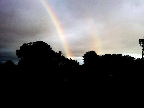 ダブルレインボーを見ると願いが叶う!? double rainbow-dua pelangi