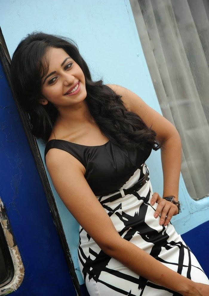 'Rakul preet Singh' 'Yaariyan' 2014 film sexy cute actress hottest sexiest unseen rare mini skirt oops moments upskirts pics 2014 latest pics free downloads