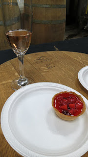 Megalomaniac Bubblehead Pinot Noir Sparkling with White Chocolate Ganache Tart