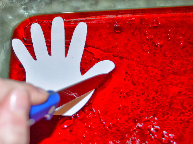 JELL-O JIGGLERS HAND