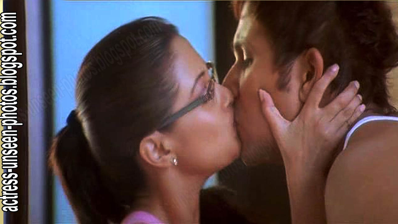 riyasen kissing