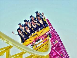 http://2.bp.blogspot.com/-l_lNS5oLLzk/TbfceDYdYhI/AAAAAAAAOC8/IHOtzahJi7A/s320/amusement-park-ride.jpg