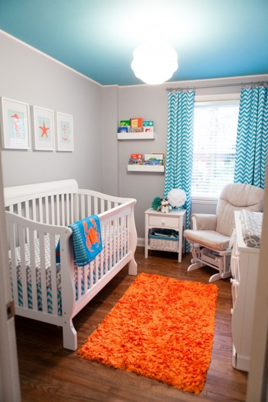 Habitaci n de beb turquesa naranja y gris dormitorios for Alfombra azul turquesa del dormitorio