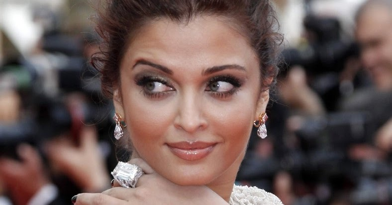 Gold and Diamond jewellery designs: Aishwarya rai in 53 ...