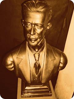 Busto de Antônio Augusto Borges de Medeiros