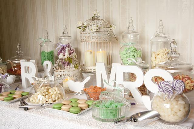 Mesa de chuches para bodas, bautizos y comuniones.