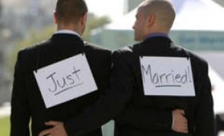 SCINDARE în Cehia: Guvernul va autoriza căsătoriile homosexuale