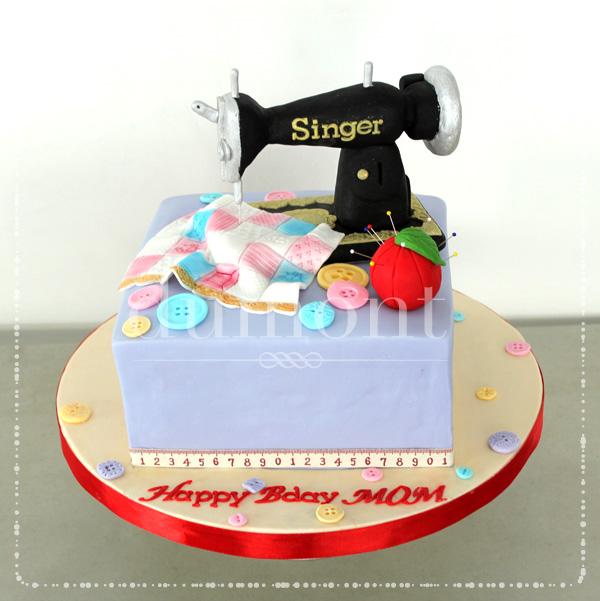 Cake Design For Singer : Dumont Cake: Singer sewing machine cake