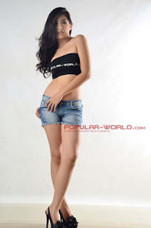 Christie Monica Model Popular World BFN, Juni 2013
