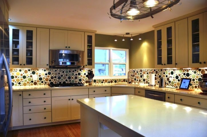 Wall paint ideas for kitchen for Country kitchen paint ideas