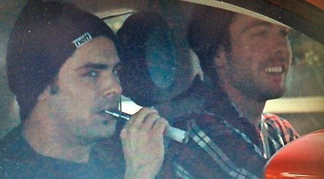 Zac Efron fuma marihuana con vaporizador