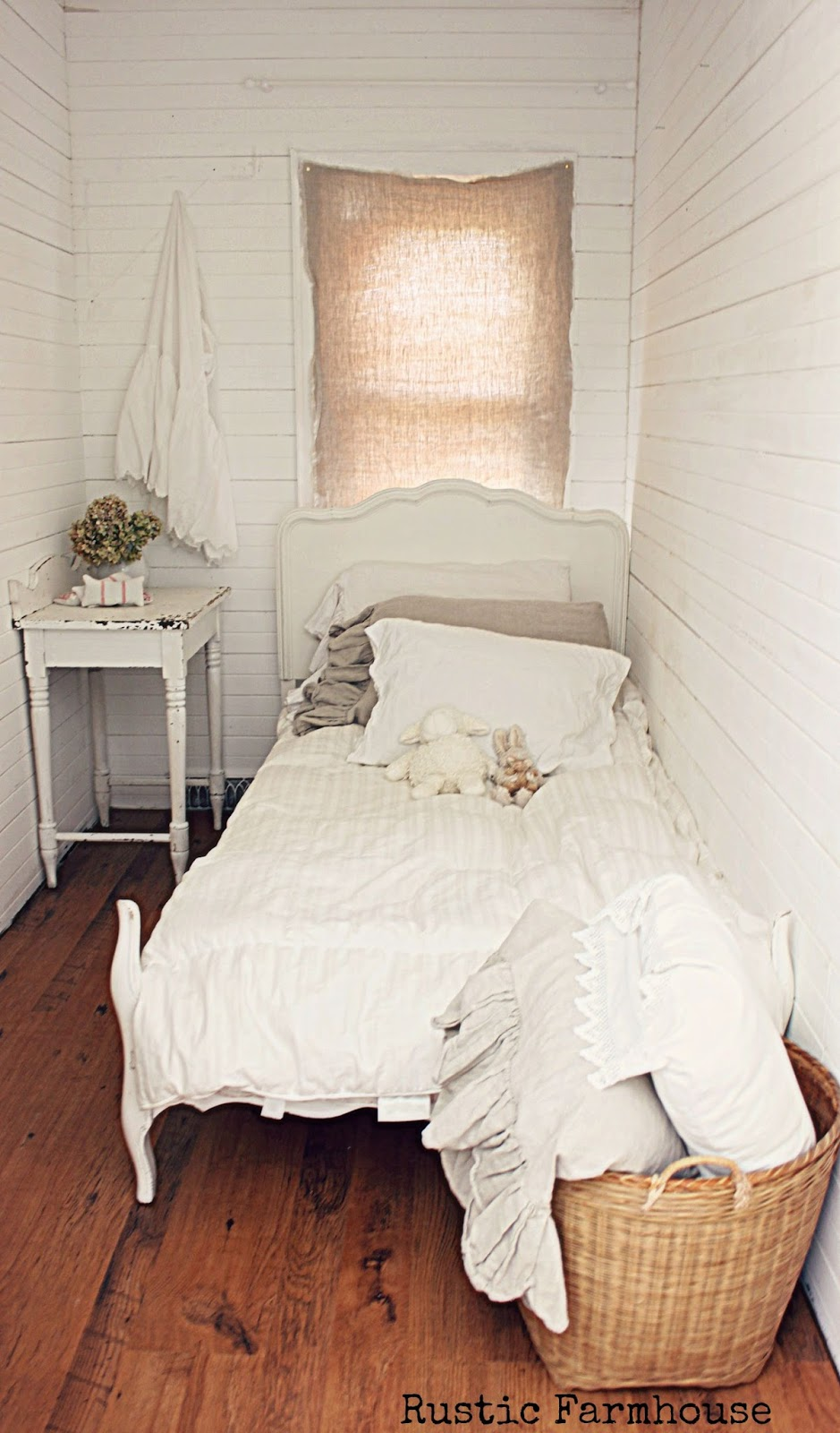Rustic farmhouse just some pics for Very tiny room ideas