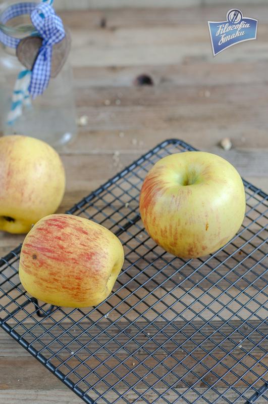 Drożdżówki z jabłkami przepis