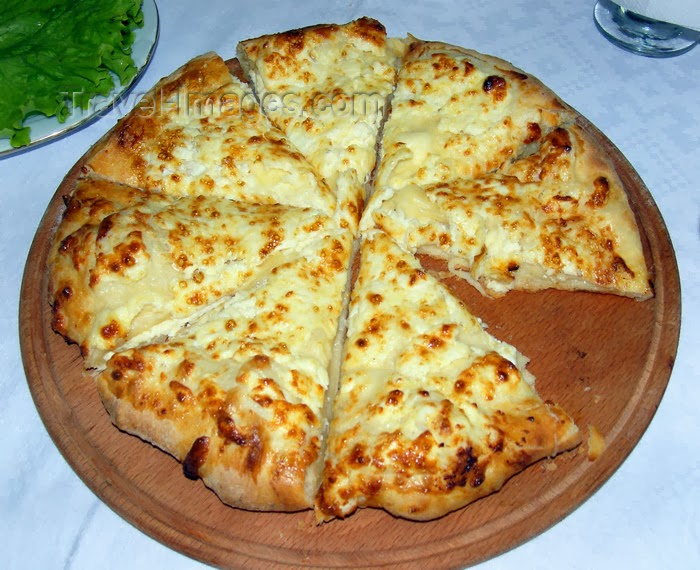 georgian pizza: Recipe: Khachapuri (Georgian Cheese Bread)