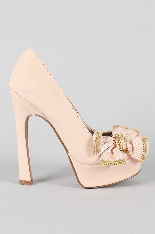 Ugh, came across this Qupid heel called: Pageant-50 Patent Bow.