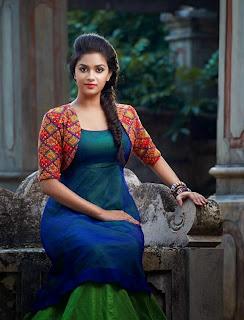 Keerthi Suresh Mallu beauty Looks Super Cute Spicy Gallery