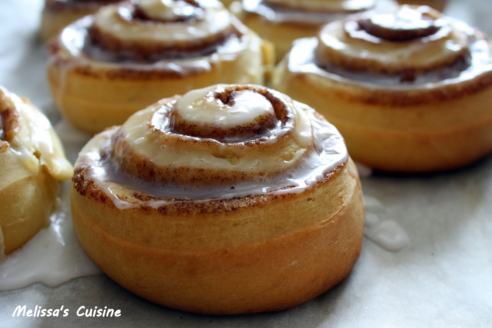 Melissa's Cuisine: Light and Fluffy Cinnamon Rolls