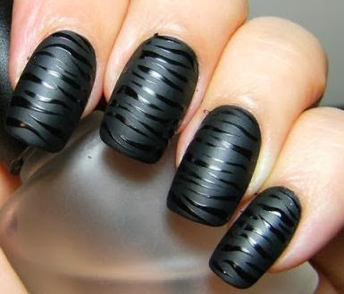 Cool Black Colour Nail Art