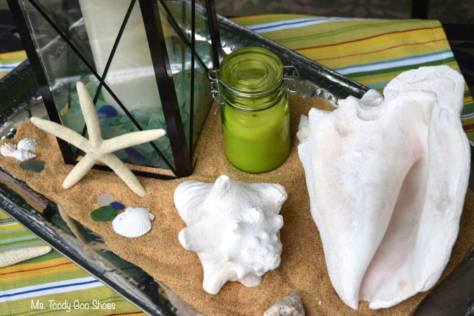 An easy beach-themed centerpiece to get you in the mood for summer!   Ms. Toody Goo Shoes