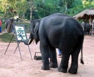Wih, Gajah Ini Jago Melukis! [ www.BlogApaAja.com ]
