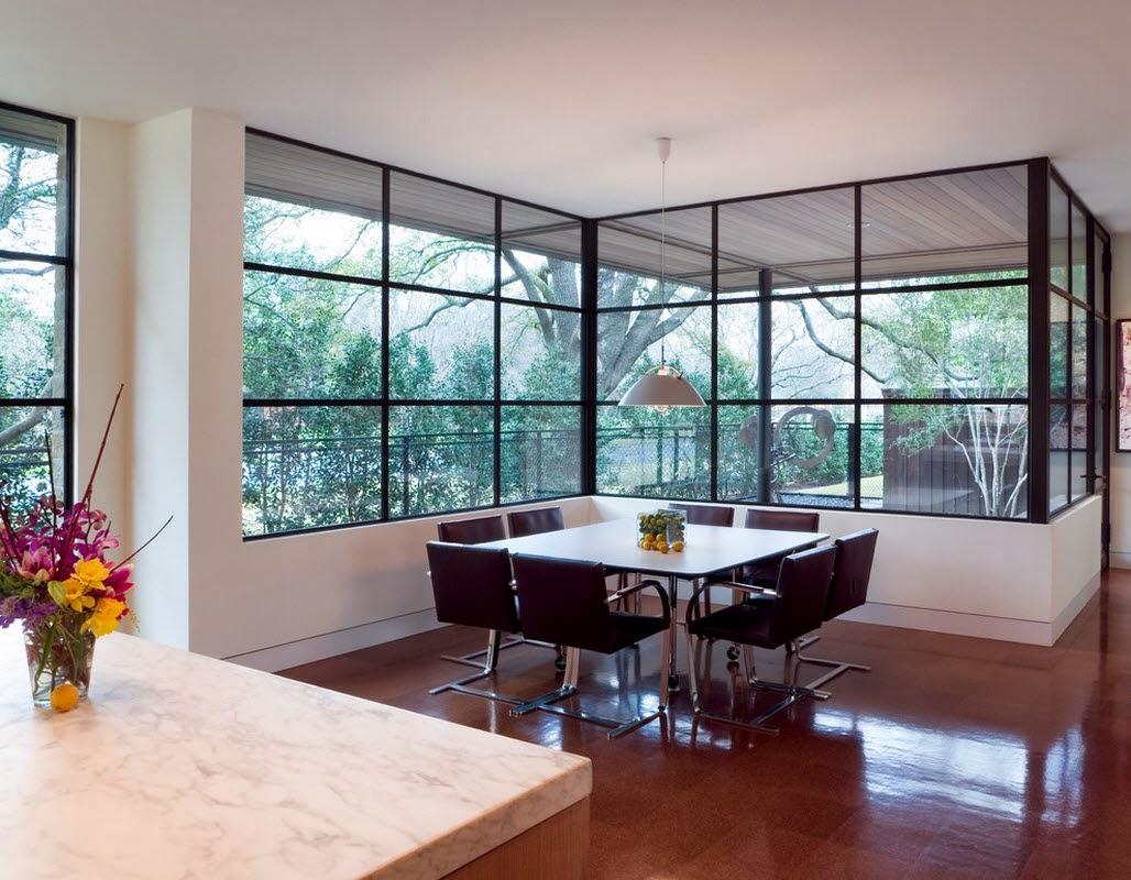 Ruang Makan Modern Dengan Dinding Kaca 3