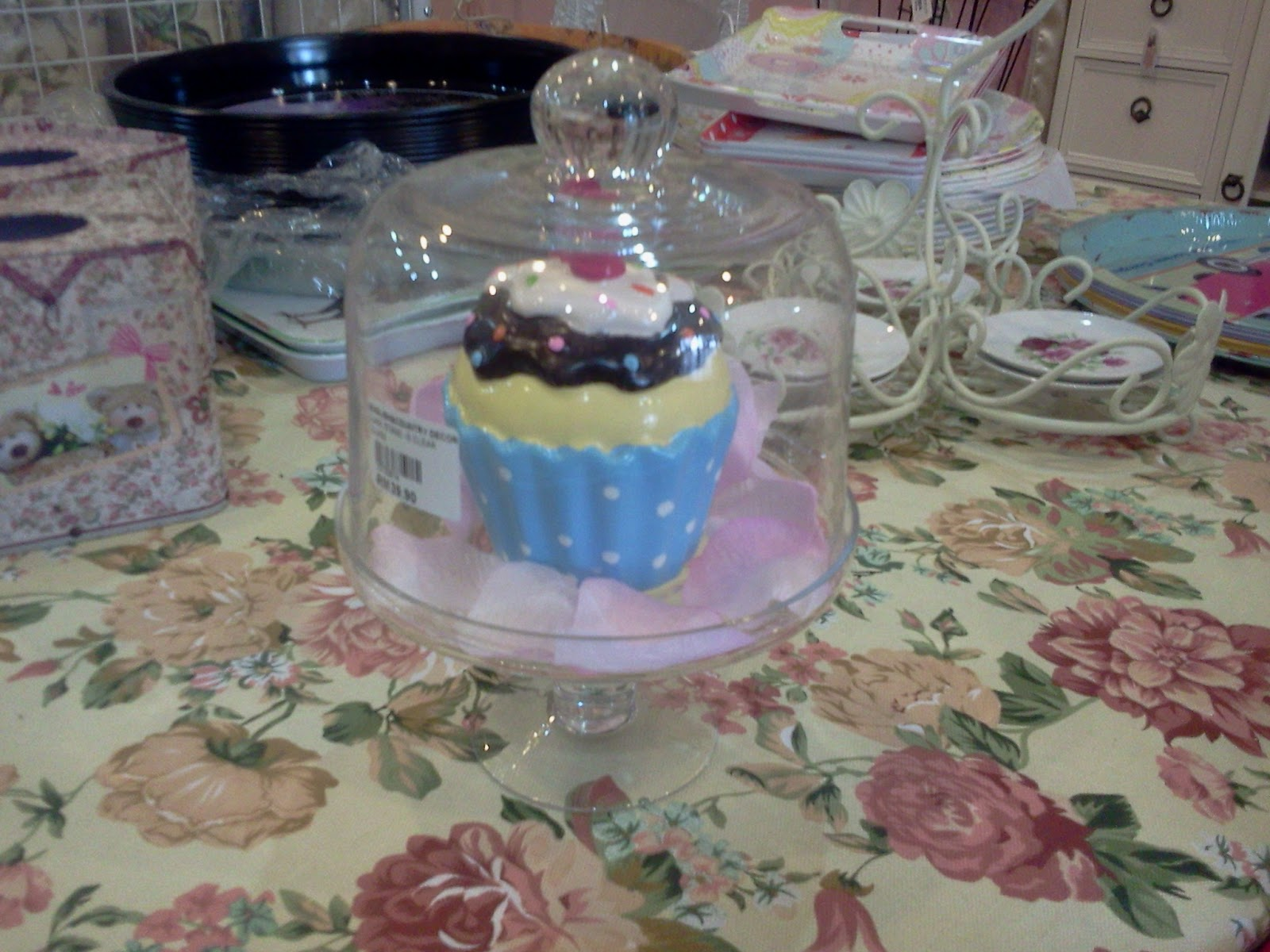English Country Decor Cake Plate Cake Stand