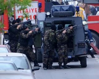 Policia, Direitos Humanos, Ladrão, Morador,  Assalto, Viatura