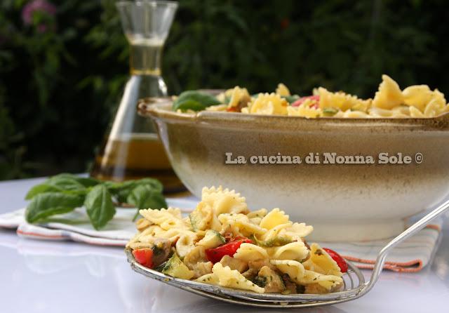 insalata di pasta con verdure