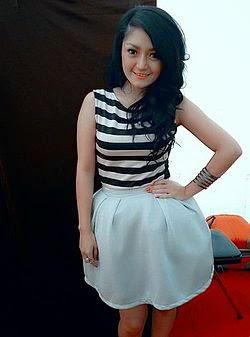 Siti Badriah Pakai G-String 72bidadari.blogspot.com