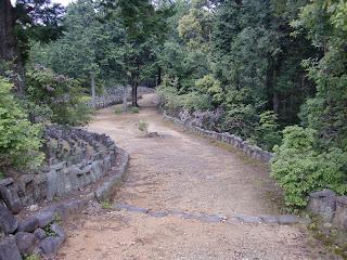 参道の石塔,石仏群