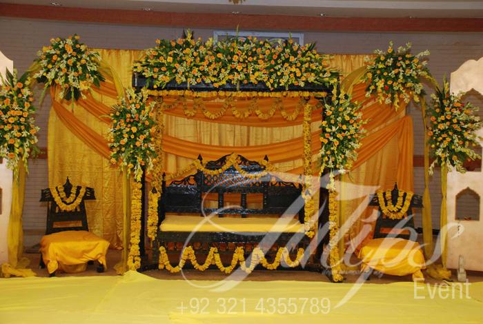 Best Pakistani Wedding Mehendi Stages Mehendi Stage Decoration