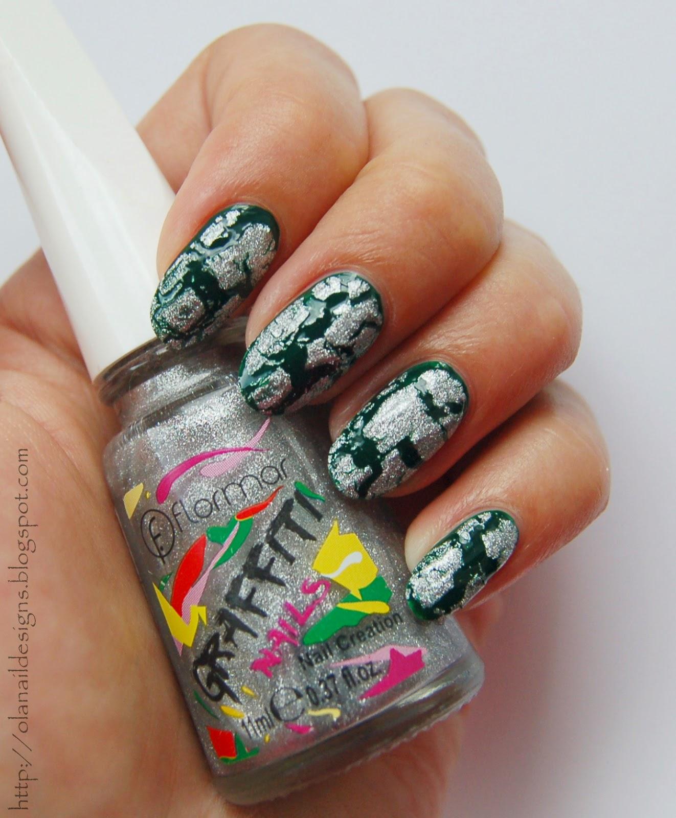 ciemna zieleń i pękający srebrny lakier do paznokci