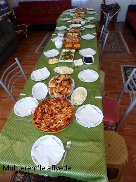 Köyde aile kahvaltısı
