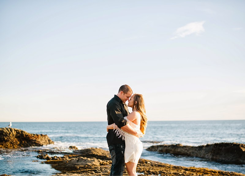 http://www.jennabechtholt.com/laguna-beach-engagement-photos/